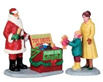 Lemax A Season of Giving - Set of 2