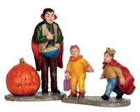 Lemax Spooky Town Scaring Trick or Treaters - Set of 2